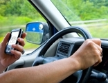 Handy am Steuer / Auto