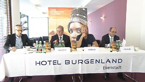 Wolfgang Werner bei der Pressekonferenz über die Zukunft der Opernfestspiele