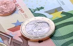 Geld, Euro Münzen und Scheine