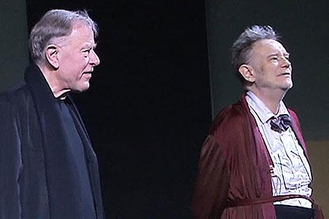 Claus Peymann und Gert Voss nach einer Premiere im Burgtheater