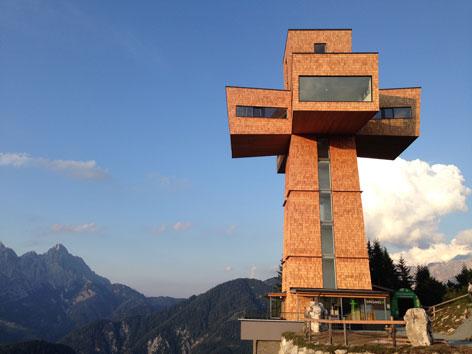 Jakobskreuz am Gipfel der Buchensteinwand im Pillerseetal