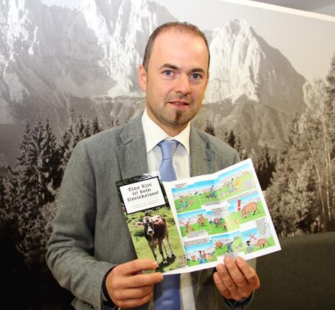 Josef Hechenberger präsentiert Folder