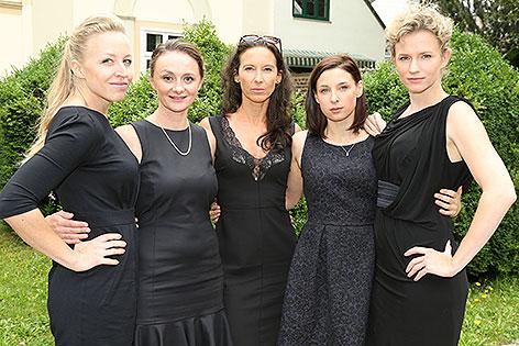 "Nina Proll, Gerti Drassl, Maria Köstlinger, Martina Ebm, Adina Vetter bei Dreharbeiten zur ORF-Serie ""Vorstadtweiber"""