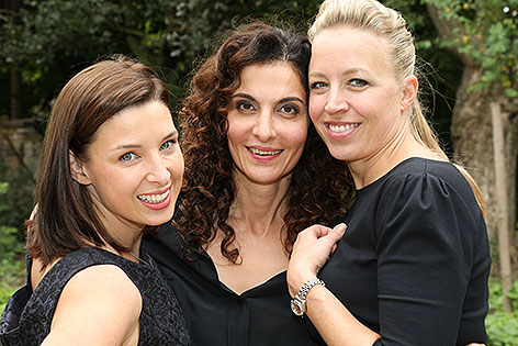 Martina Ebm, Proschat Madani, Nina Proll