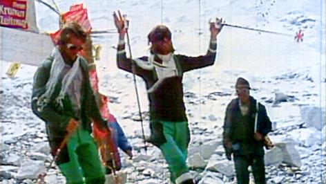 Peter Habeler und Reinhold Messner nach der Besteigung des Mount Evererst