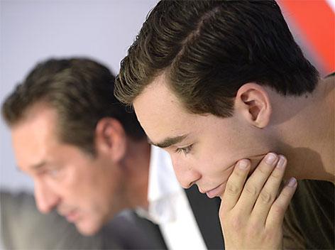 FPÖ-Obmann Heinz Christian Strache und Maximilian Kraus (r.)