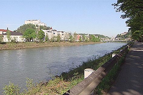 Salzachufer beim Volksgarten in der Stadt Salzburg