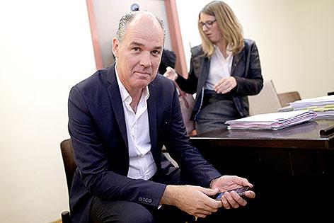 Matthias Hartmann im Prozess gegen seine Entlassung am Burgtheater