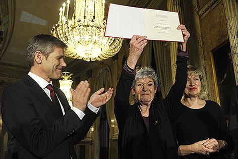Kulturminister Josef Ostermayer, Elisabeth Orth, Burgtheater-Direktorin Karin Bergmann