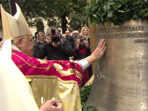 neue Glocke eingeweiht, Friedensglocke