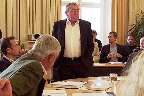Bürgermeister Heinz Schaden (SPÖ) bei Sitzung des Salzburger Stadtsenats