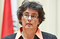 Pregon parlament Ana Blatnik Marjan Sturm Josef Feldner Brigitte Entner publika sodelujoči