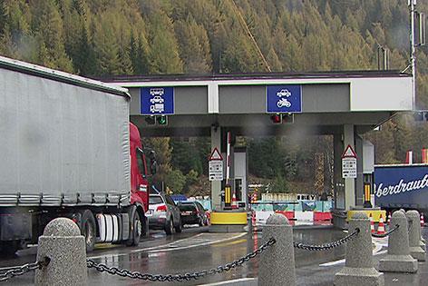 Mautstelle der Felbertauernstraße zwischen Mittersill und Matrei in Osttirol