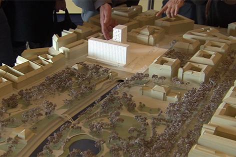 Modell des geplanten Hochhauses am Heumarkt beim Eislaufverein