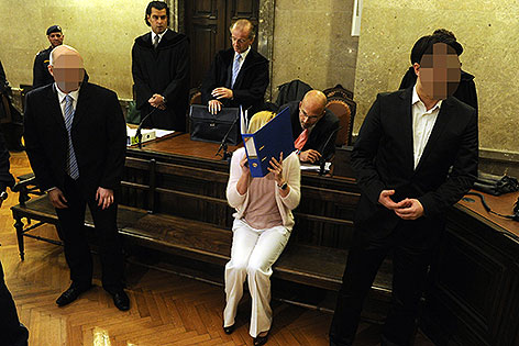 Angeklagte im Prozess um Handgranatenmord in Ottakring