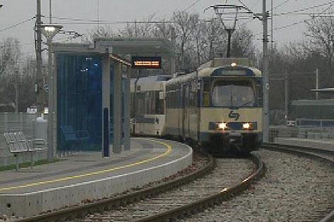 Badner Bahn Haltestelle Baden Landesklinikum
