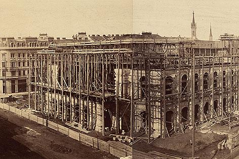 Andreas Groll: Hofoper in Bau, 1865
