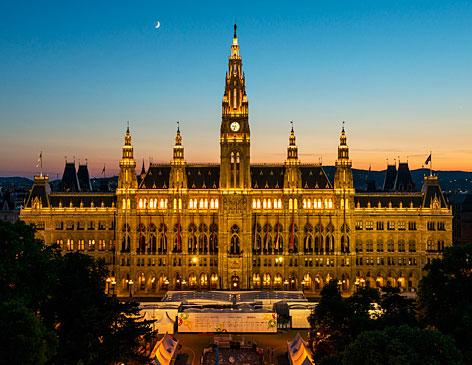 Eurovision Village: Der Wiener Rathausplatz wird während der Eurovision Week zur Fanmeile.