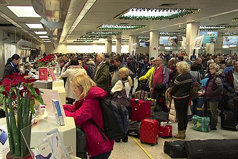 Hochbetrieb im Terminal am Salzburg Airport (Salzburger Flughafen)