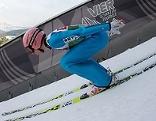 Stefan Kraft beim Anlauf der Skisprungschanze auf dem dem Bergisel