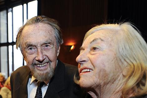 Meeresforscher Hans Hass (L) und Ehefrau Lotte Hass im Jahr 2009