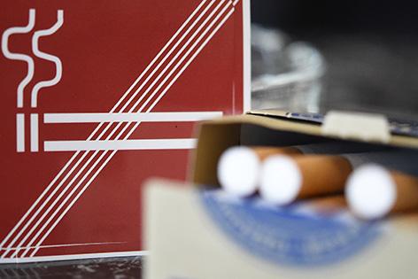 Illustration zum Thema Rauchen / Rauchverbot / Raucher- und Nichtraucherbereiche