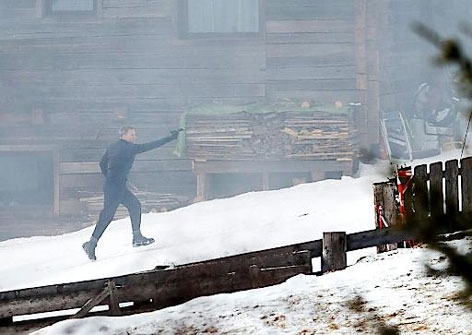 Daniel Craig trägt Snowline Spikes