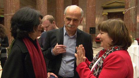 Annemarie Klinger und Erich Schneller im Gespräch