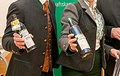 Präsentation der neuen Kürbiskernölflaschen
