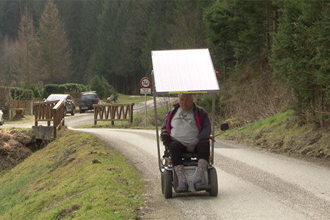 Rollstuhl mit Solarantrieb