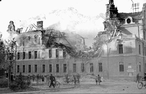 Zerstörtes Haus im zweiten Weltkrieg