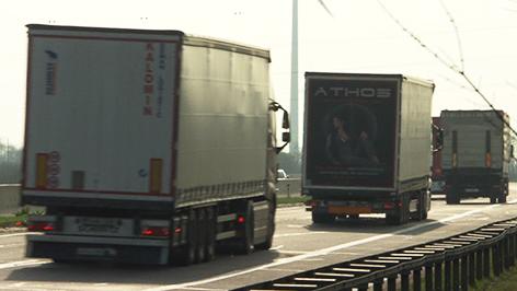 Lkws auf A4