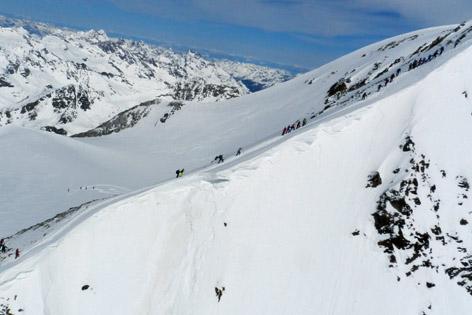 Skitourengeher auf der Wildspitze