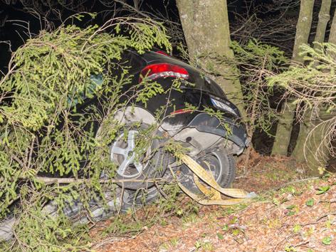 Unfallauto beim Verkehrsunfall in Grünburg
