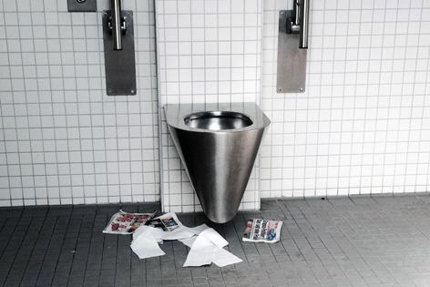 Verschmutzte Toilette