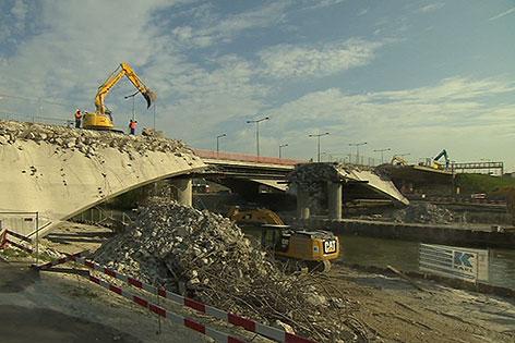 Abriss der Erdberger Brücke