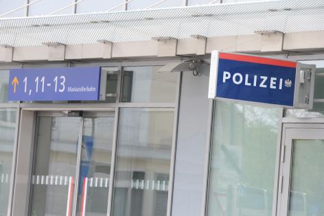 Polizeiinspektion am Bahnhof in Sankt Pölten