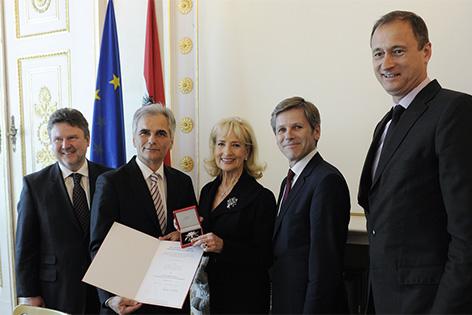 Dagmar Koller hat am Mittwoch für ihre Verdienste um die Republik das Große Ehrenzeichen erhalten