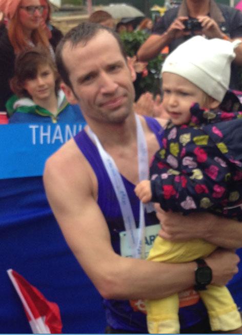 Karl Aumayr beim 12.Salzburg Marathon mit seiner Tochter