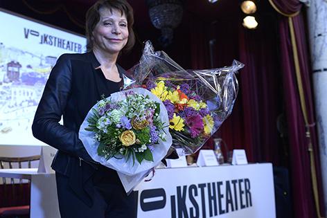 """Anna Badora, designierte Intendantin des Volkstheaters, am Donnerstag, 07. Mai 2015, im Rahmen einer Pressekonferenz zum Thema """"Spielplan 2015/2016"""" in Wien"""