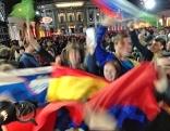 Fans im Eurovision Village beim zweiten Semifinale