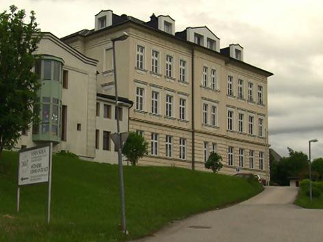 Strokovna višja šola Šentpeter konvent HLW