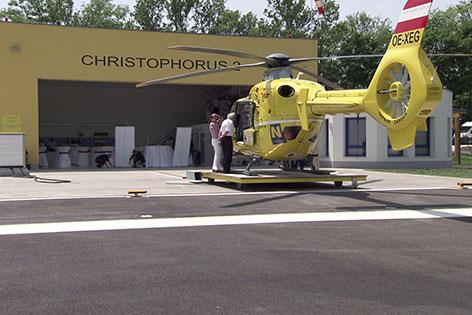 ÖAMTC Hubschrauber in Krems