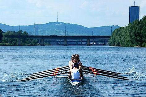 Ruderer auf der Donau