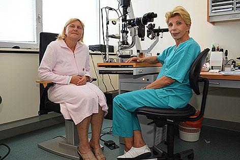 Ärztin Susanne Binder und Patientin