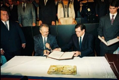 Späterer slowakischer Präsident Ivan Gašparovič und Kanzler Vladimír Mečiar