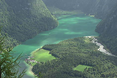 Der Königsee bei Schönau im Berchtesgadener Land