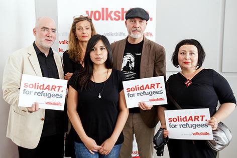 Künstler bei Pressekonferenz