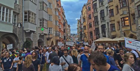 Flüchtlingsdemo in der Innsbrucker Altstadt