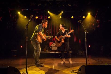 Musiker Liz Stringer und Van Walker beim Americana Fest 2014